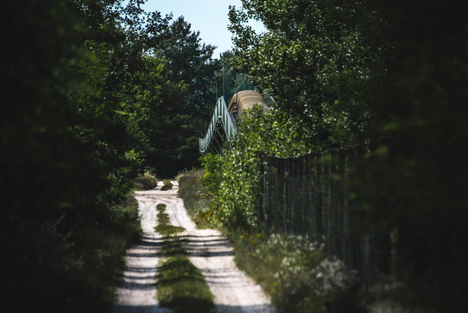 Photo by Pascal Sommer - The pipeline, as it's approaching Bokodi-hűtőtó