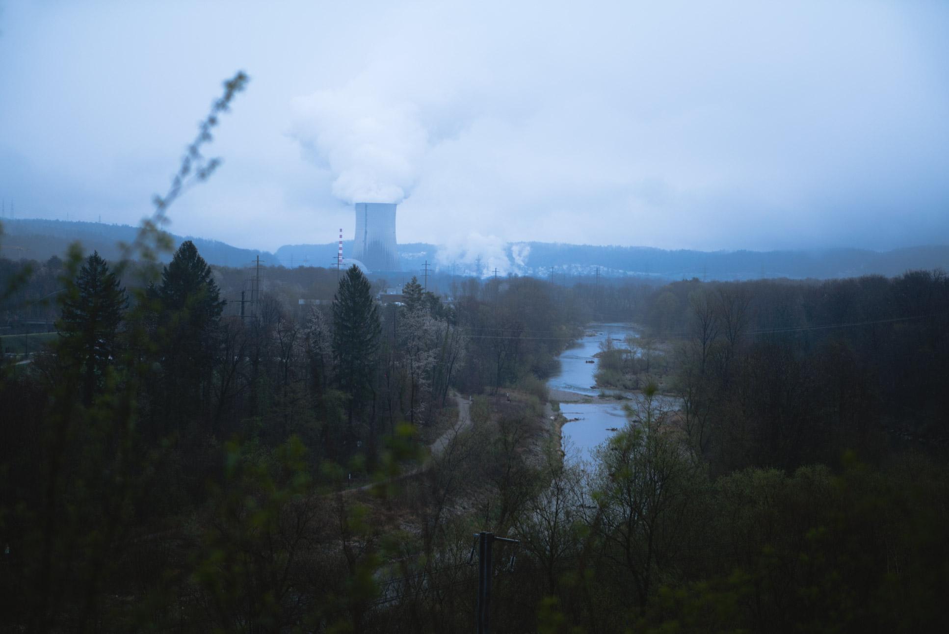 Kernkraftwerk Gösgen-Däniken visible in the background
