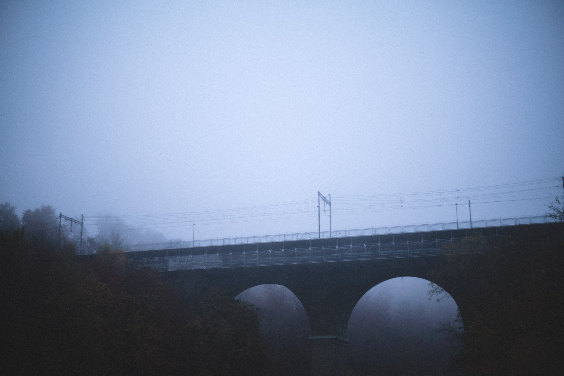 this bridge was in fact built to support the fog aesthetic, along with the train tracks