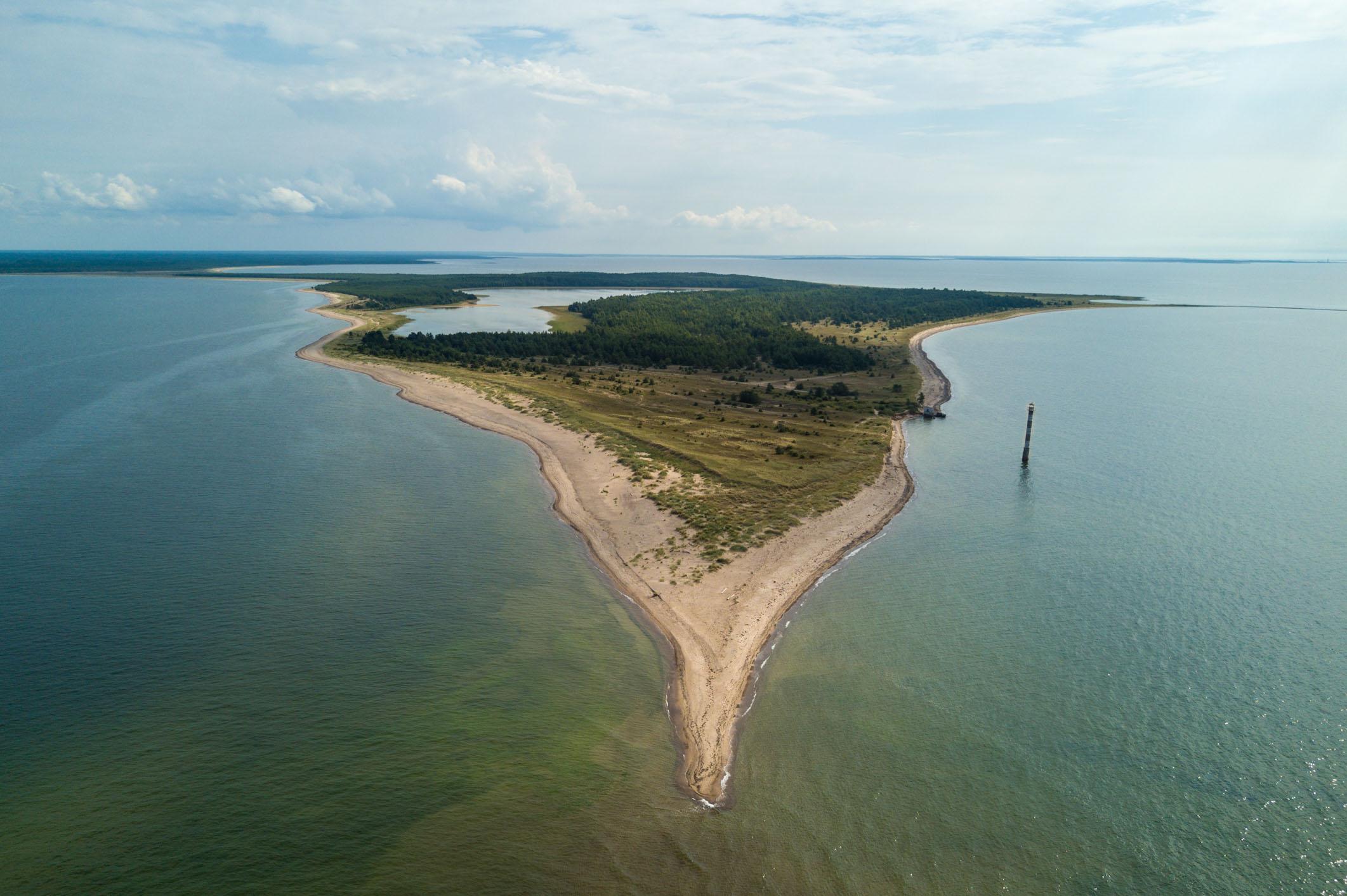 Kiipsaare tuletorn on Saaremaa