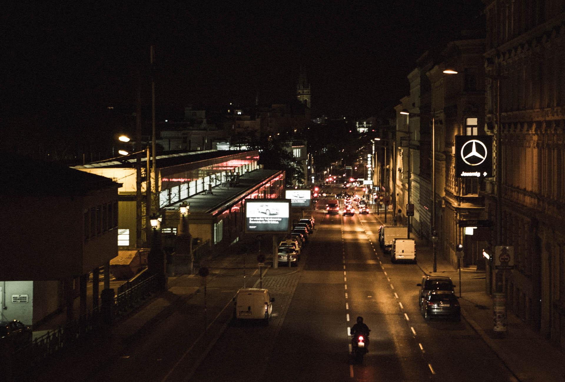 Währinger Gürtel at night